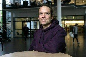 professor-tom-odell-lundi-u%cc%88likooli-humanitaaride-uues-majas-lux-foto-kg-pressfoto-300x200